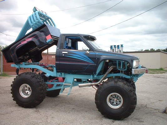 1985 Toyota lifted monster 4X4 JEEP TRADES
