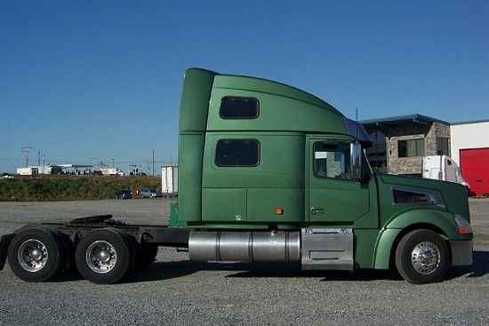 2006 volvo vt64t880 green 2006 volvo truck in glen for Department of motor vehicles glen burnie