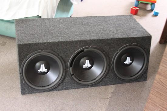 Speaker box for 3 12s