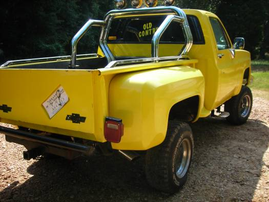 1984 chevy stepside  2 000 or best offer