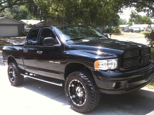 2004 dodge ram 1500 11 500 possible trade 100409226 custom lifted truck classifieds. Black Bedroom Furniture Sets. Home Design Ideas