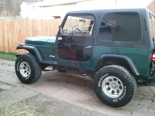 1995 jeep wrangler 3 200 possible trade 100454944 custom jeep classifieds jeep sales. Black Bedroom Furniture Sets. Home Design Ideas