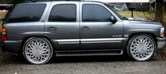 2002 Chevrolet Tahoe On 26s 15 500 Possible Trade