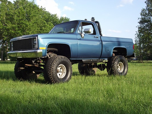Huge 1986 Chevy C10 4x4 Monster Truck - All Chrome Suspension ...