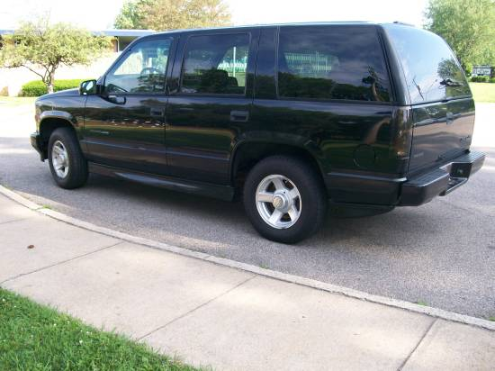 1999 chevrolet tahoe limited 7 000 possible trade. Black Bedroom Furniture Sets. Home Design Ideas