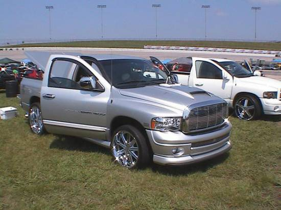 2005 Dodge Ram 1500 Slt Hemi Edition 15 000 Possible