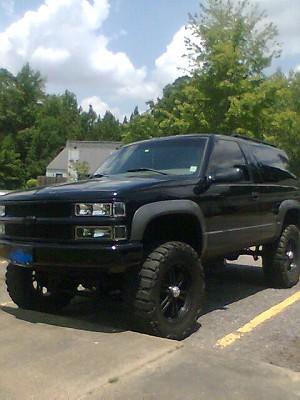 1999 Chevrolet Tahoe 9 000 100304425 Custom Lifted Truck