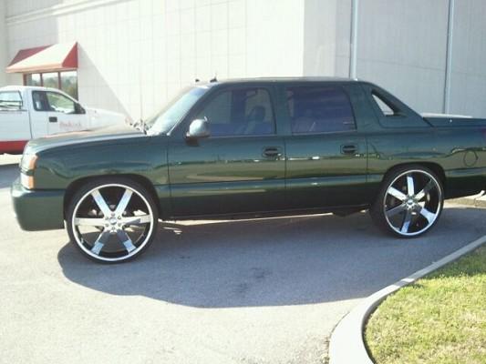 2004 Chevrolet Avalanche On 28 22500 100372815 Custom Show