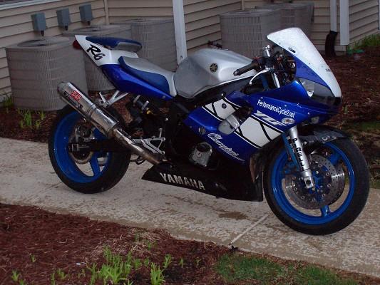 Custom Blue Yamaha r6 1999 r6 Custom 1999 Yamaha r6