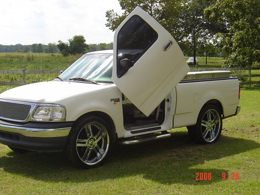 2000 ford f150 1 100198032 custom show truck. Black Bedroom Furniture Sets. Home Design Ideas
