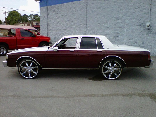 1989 chevrolet caprice on 24s 7 000 possible trade 100311072 custom donk classifieds donk. Black Bedroom Furniture Sets. Home Design Ideas