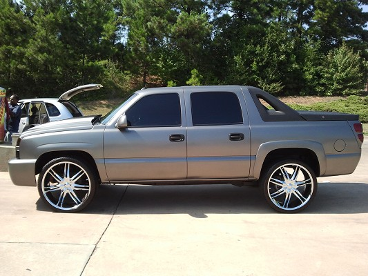 2005 Chevrolet Avalanche 10 000 100421576 Custom Full Size Truck Clifieds S
