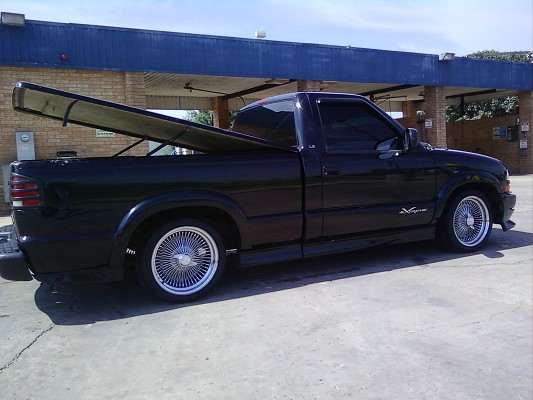 2000 chevrolet s10 extreme 2 500 possible trade. Black Bedroom Furniture Sets. Home Design Ideas