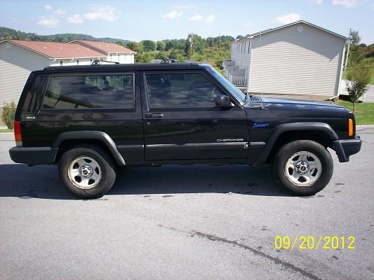 1997 Jeep Cherokee 2 Door 4x4 5 Speed $1,700 Possible Trade   100524999    Custom Jeep Classifieds   Jeep Sales