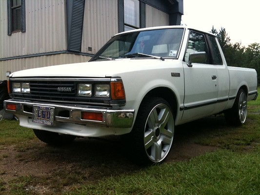 1985 Nissan 720 Pickup $3,500 Possible trade - 100319852