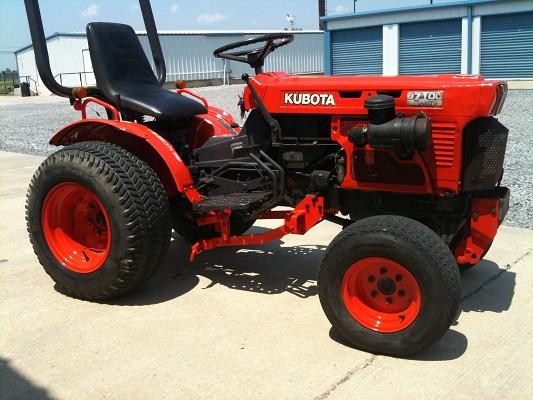 92 Kubota tracter B7100 hst-d 4x4 w/60 $4,500 Firm - 100375854 ... on kubota classic, kubota steel wheels, kubota gf1800 tractor, kubota bx22 tractor, pug 4x4 tractor, wake tractor, kubota f2000 tractor, kubota bx23 tractor, kubota b7800 tractor, case 4490 tractor, kubota b2620 tractor, kubota m6950 tractor, kubota bx backhoe dimensions, kubota belly blade, kubota m7500 tractor, kubota mowing tractors, 3-point hitch backhoe attachment for tractor, kubota m5500 tractor, kubota bx lawn tractors, kubota b8200 tractor,