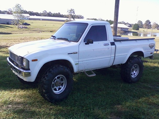 1979 toyota toyota pickup 3 500 possible trade 100439021 custom lifted truck classifieds. Black Bedroom Furniture Sets. Home Design Ideas