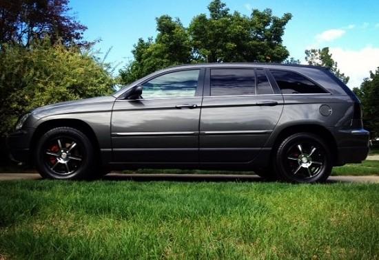 2004 Chrysler Pacifica Black 2004 Chrysler Pacifica $1