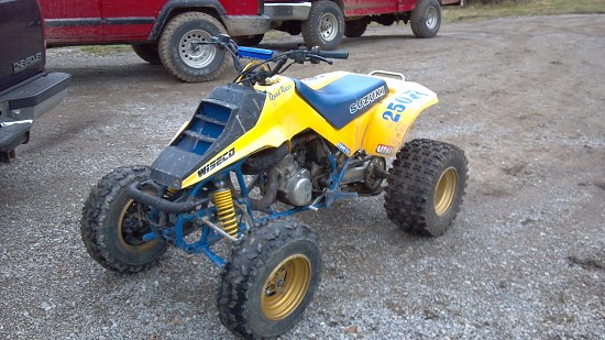 likewise Img Yehwjtsyvhdmfpa in addition Toys as well  besides . on 87 lt250r custom