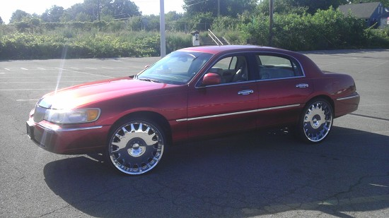 2001 Lincoln Towncar 1 Possible Trade 100500983 Custom Donk