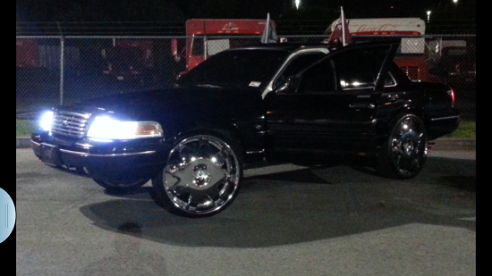2000 Ford Crown Victoria Lx On 26s 1 Possible Trade 100566862