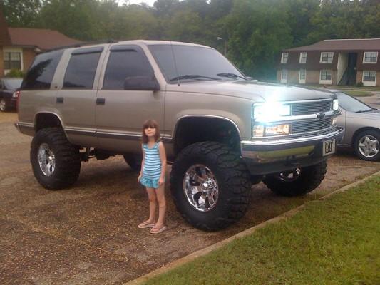 1999 Chevrolet tahoe 6500  100512259  Custom Lifted Truck
